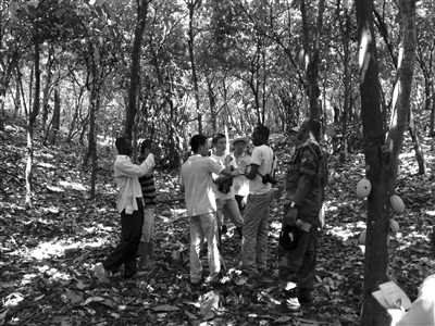 鸟为食亡 中国采金者命丧非洲加纳(中)