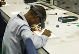 探访全球最大钻石生产基地 工作间满是亮晶晶